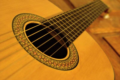 طریقه نواختن گیتار پاپ